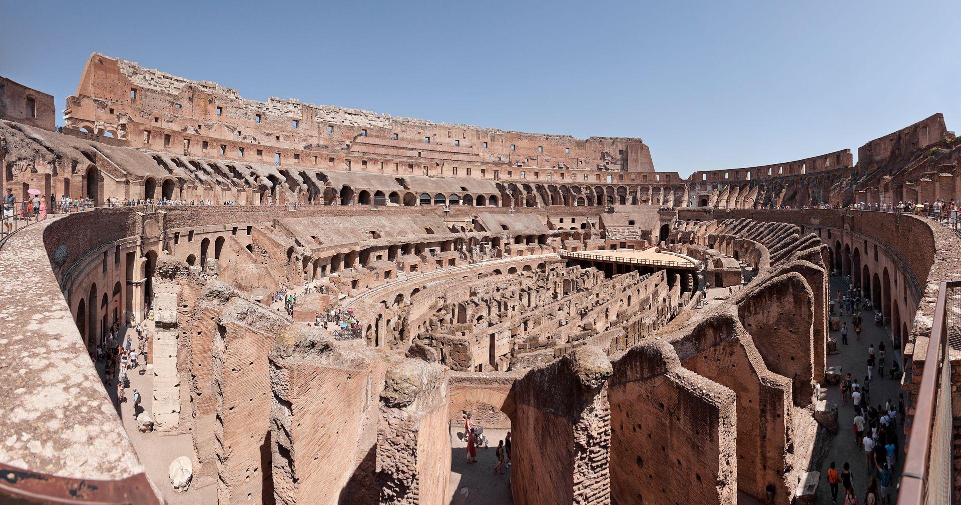 กรุงโรม-ภายในของโครอสเซียม