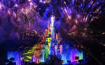 ดีสนีย์แลนด์ปารีส-การเเสดงสวยงามสุดๆ