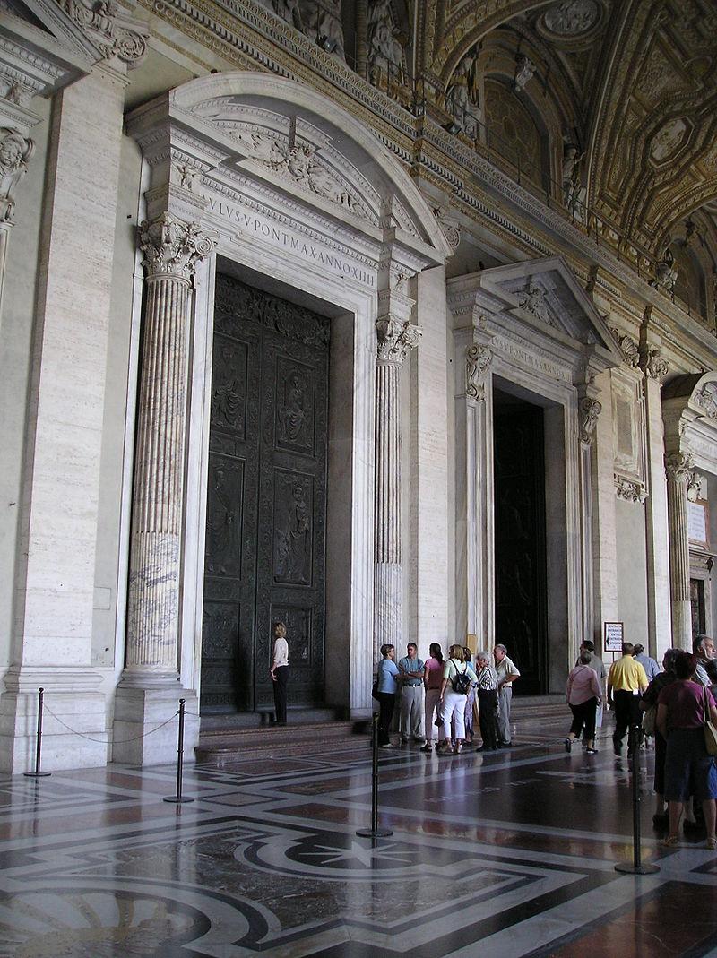 มหาวิหารเซนต์ปีเตอร์-ประตู