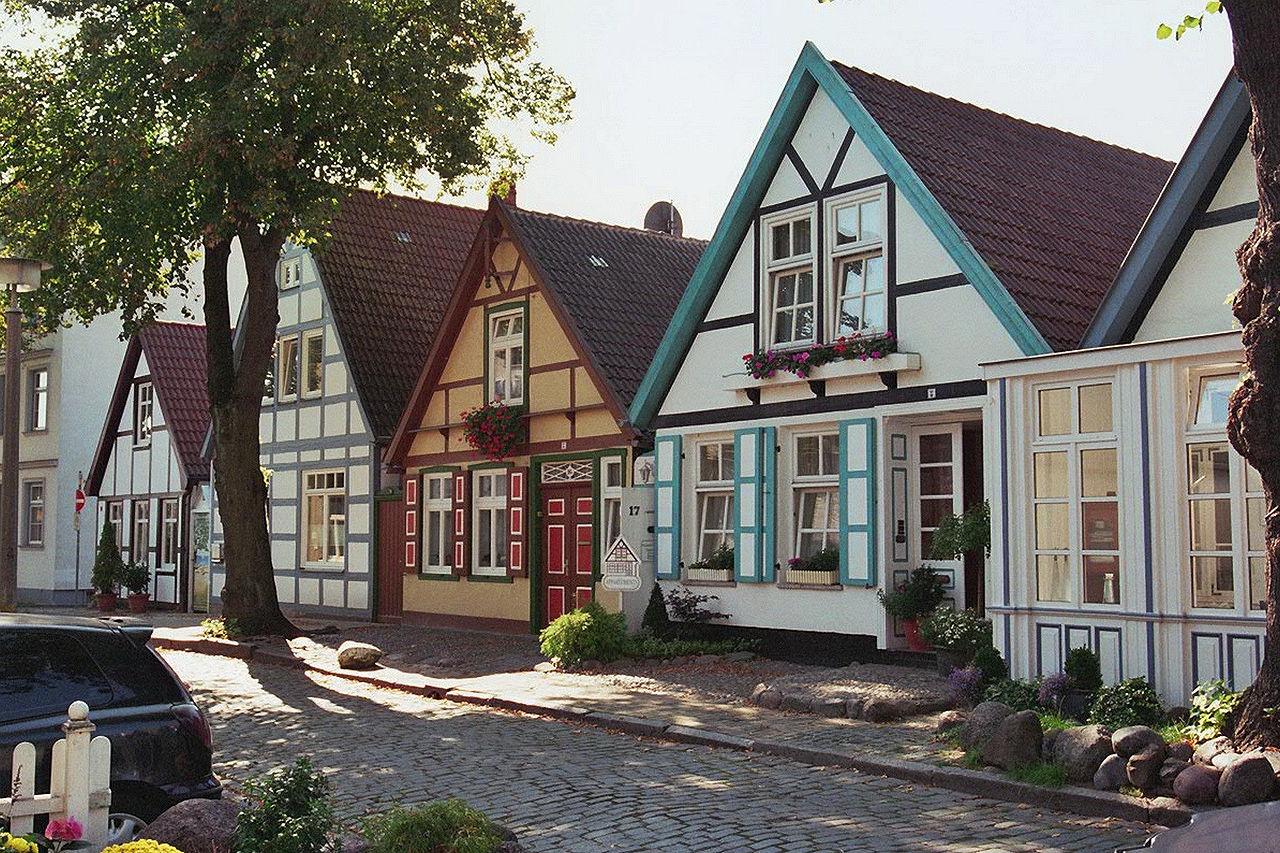 รอสทอค-บ้านเเบบสีพ่าสเทล