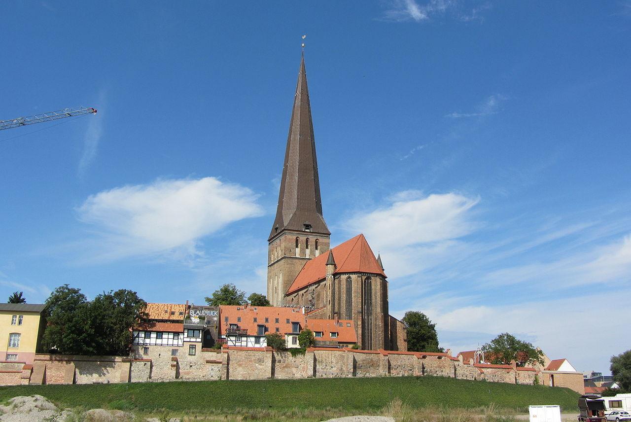 รอสทอค-โบสถ์เเบบโกธิค