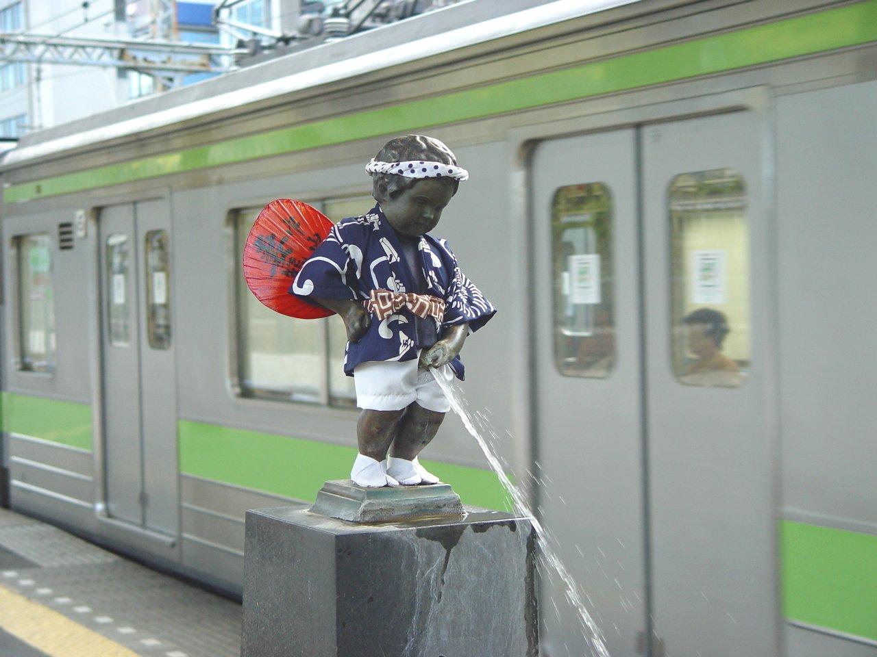 รูปปั้นแมนิเกนพีส-ไปโผล่ที่ญี่ปุ่น