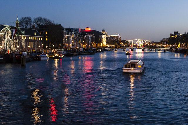 ล่องเรือในอัมสเตอร์ดัม -บรรยากาศยามค่ำคืน