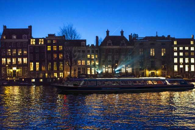 ล่องเรือในอัมสเตอร์ดัม -ล่องเรือไป