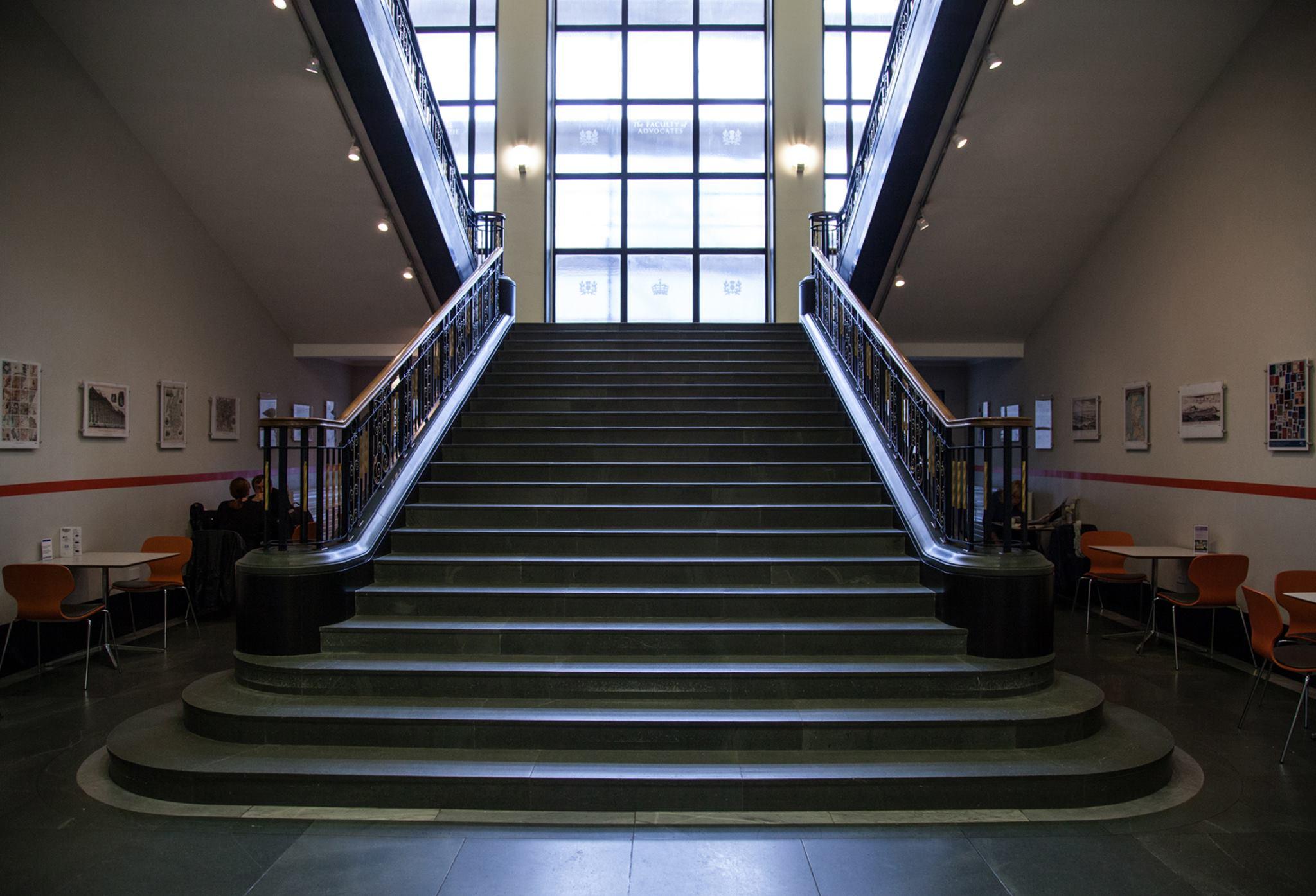 หอสมุดแห่งชาติสก็อตแลนด์-บันไดใหญ่