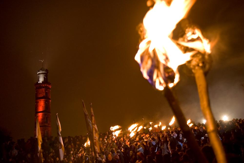 เขาคาลตัน-เทศกาลไฟ