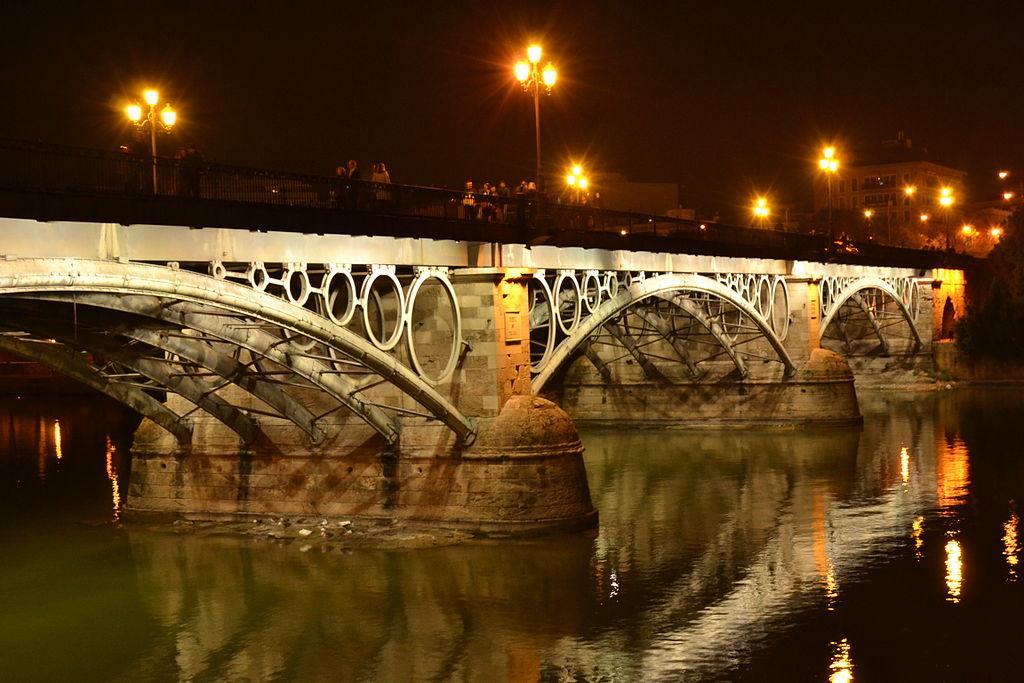เซบียา-สะพานยามค่ำคืน