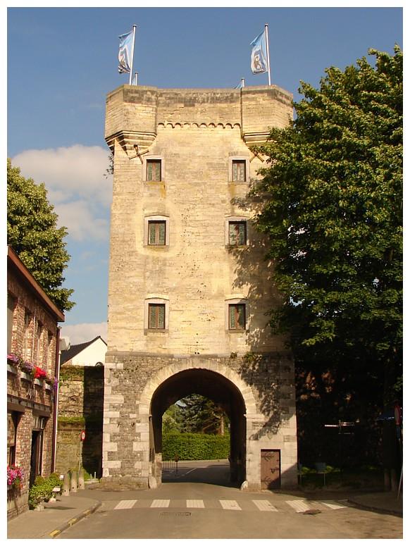 เมืองงตองเคอเรน-ประตูเมืองเก่า