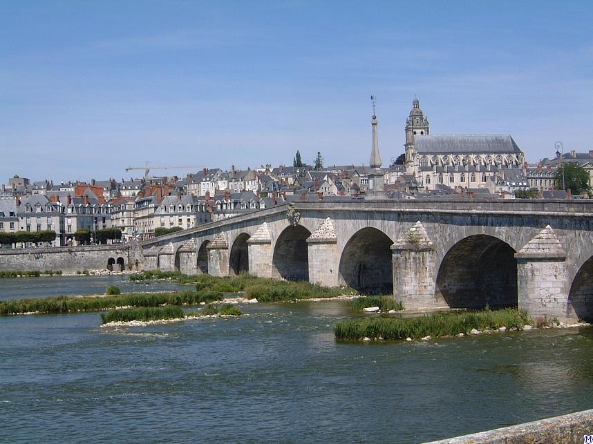 เมืองบลัวส์ -สะพานข้ามเเม่น้ำลัวร์