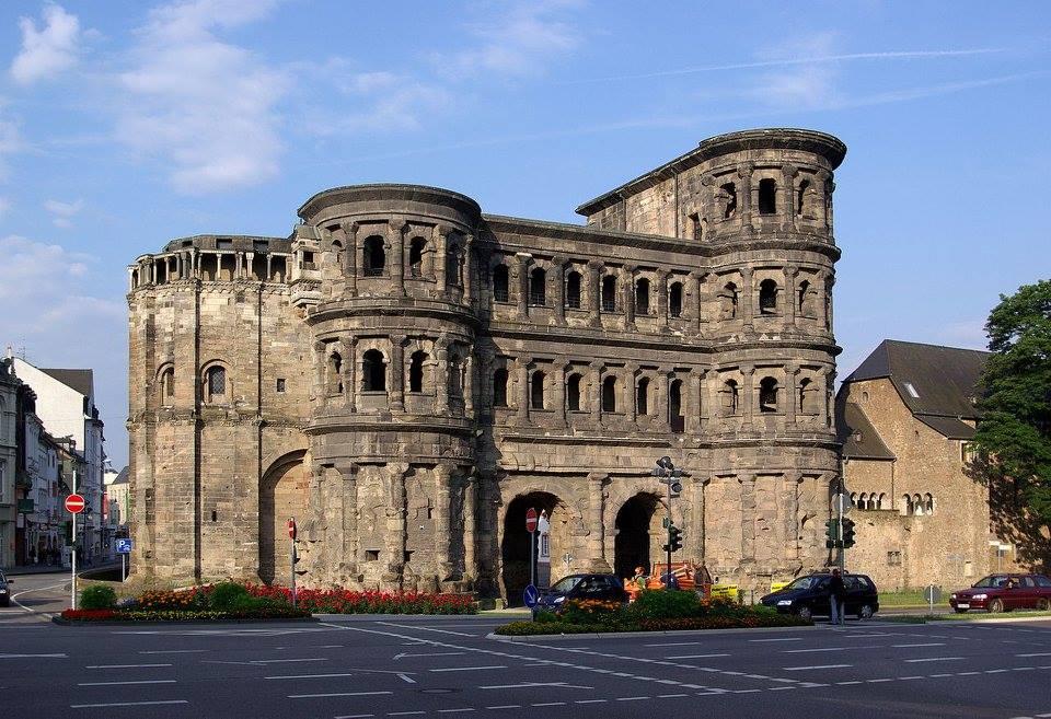 เยอรมัน-สิ่งก่อสร้างเก่า