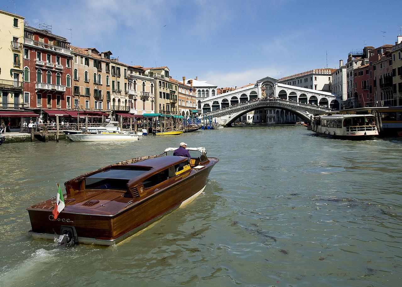 เวนิส-การเดินทางโดยเรือ