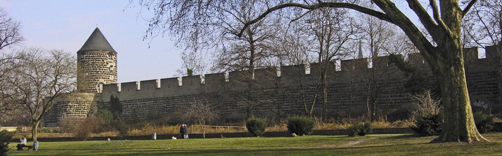 โคโลญ -กำเเพงเมืองเก่า