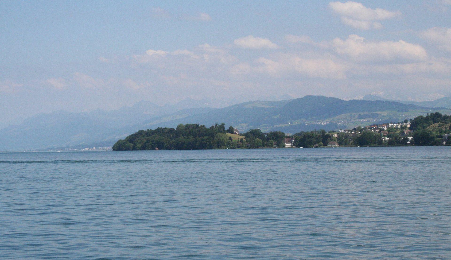 ทะเลสาบซูริก-น้ำ