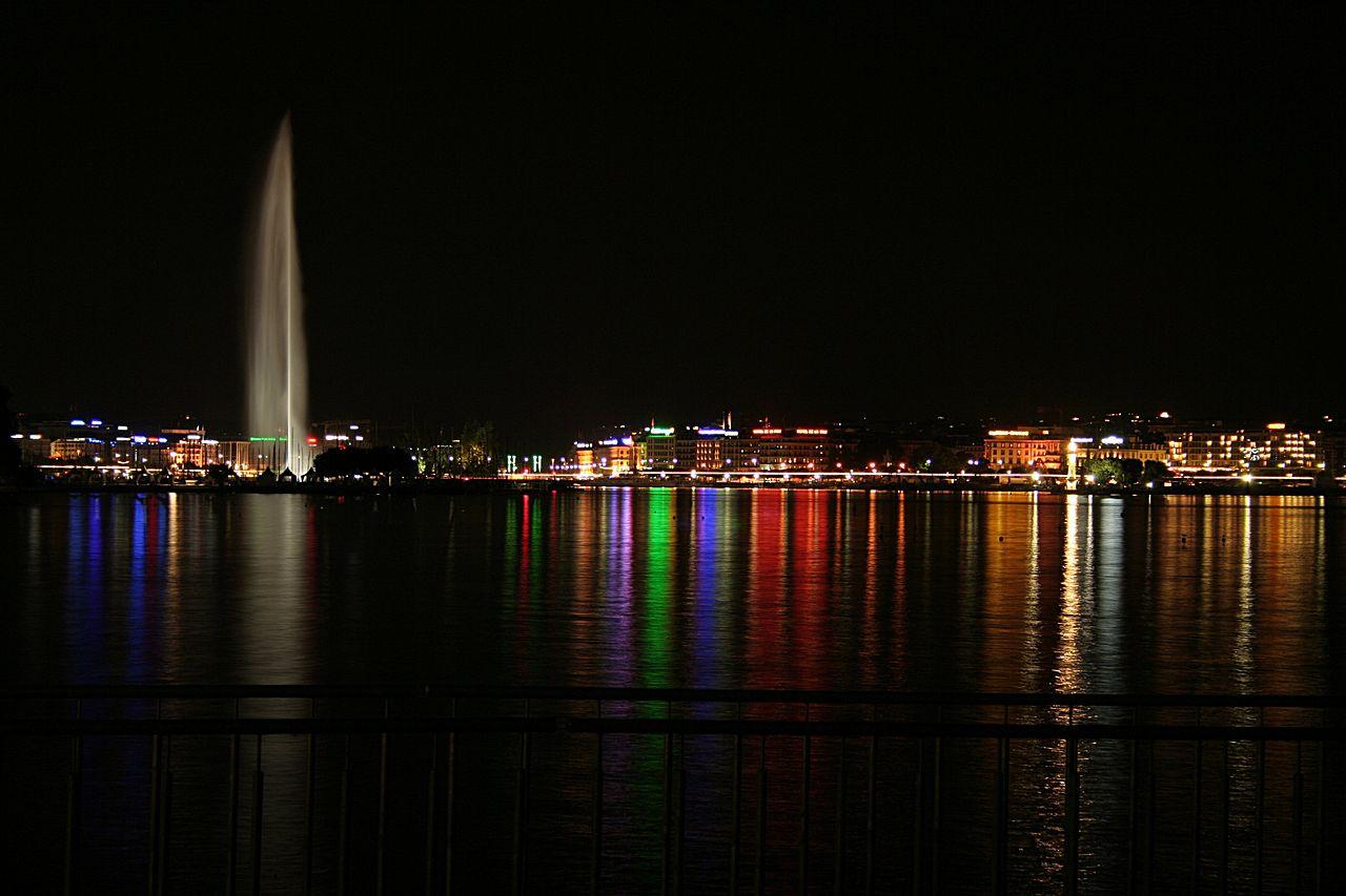 น้ำพุ เจ็ต เดอ อัว-สีสันยามค่ำคืน