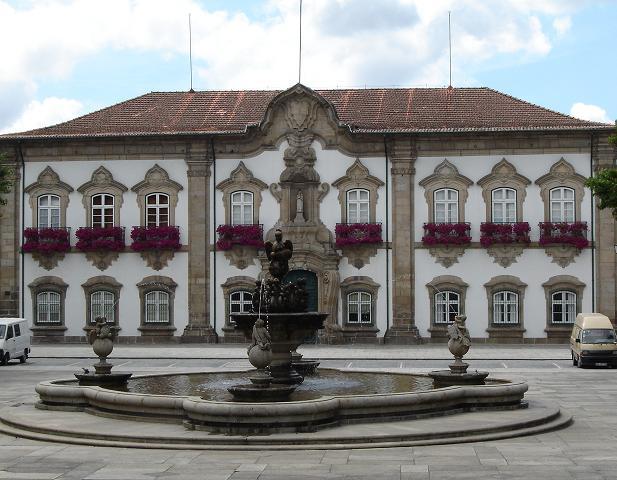 บรากา-อาคารที่ทำการรัฐบาล