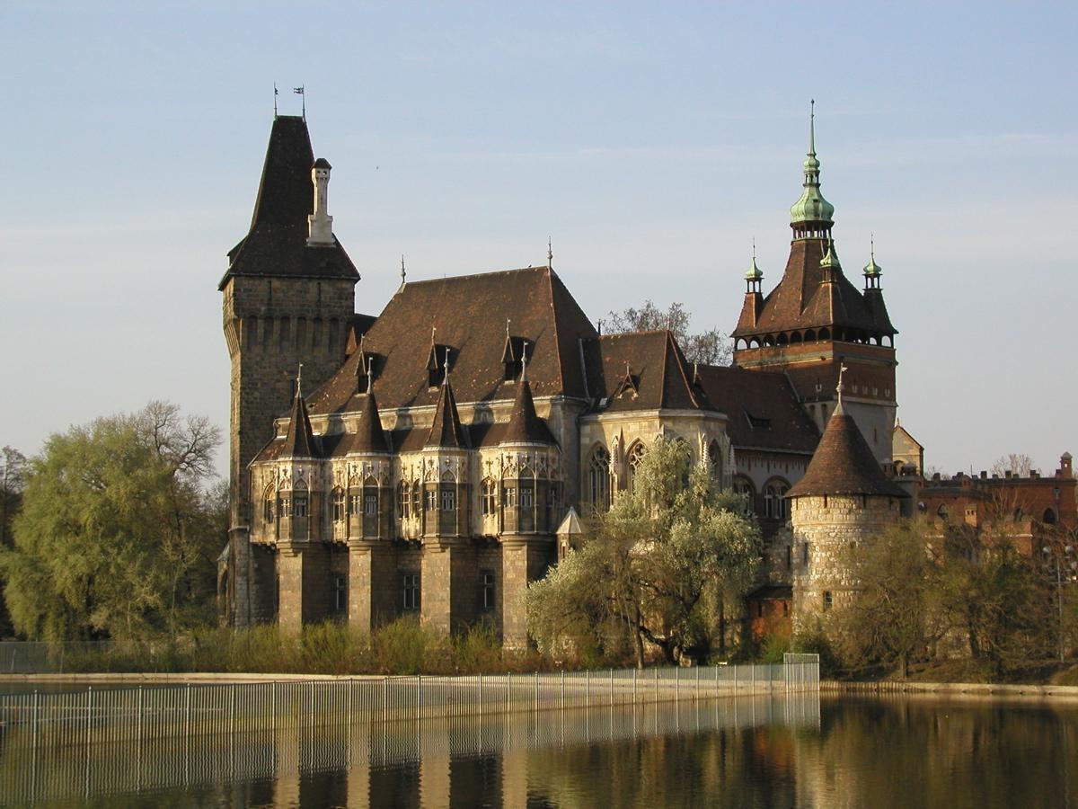 บูดาเปสต์-Vajdahunyad Castle