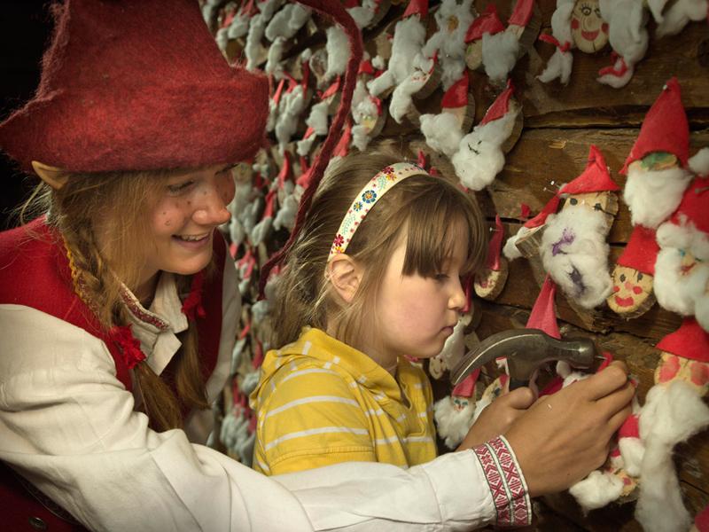 หมู่บ้านซานต้าครอส-กิจกรรม