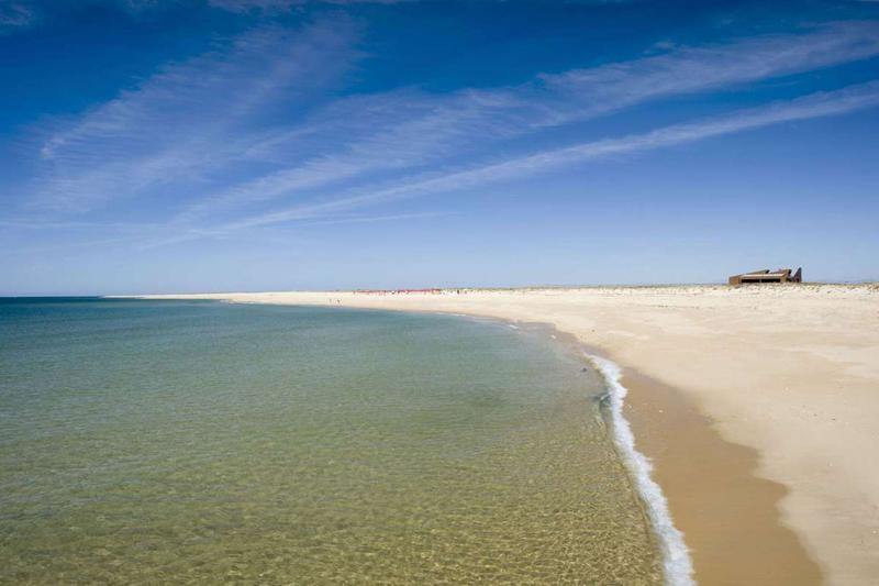 อังกราฟ-หาดทรายสวยงาม