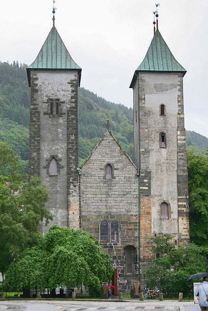 เบอร์เกน-โบสถ์เซนต์เเมรี่