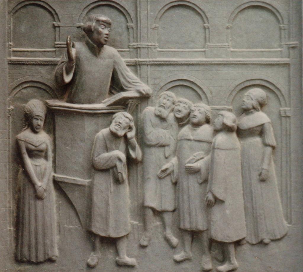 โบสถ์กรอสส์มึนซเตอร์-ประติมากรรม