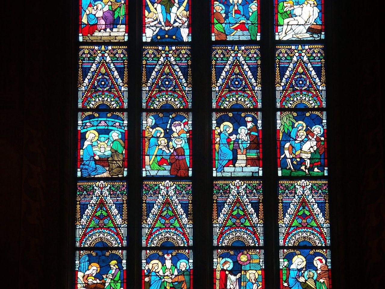 โบสถ์เเมตเทียส-กระจกสี