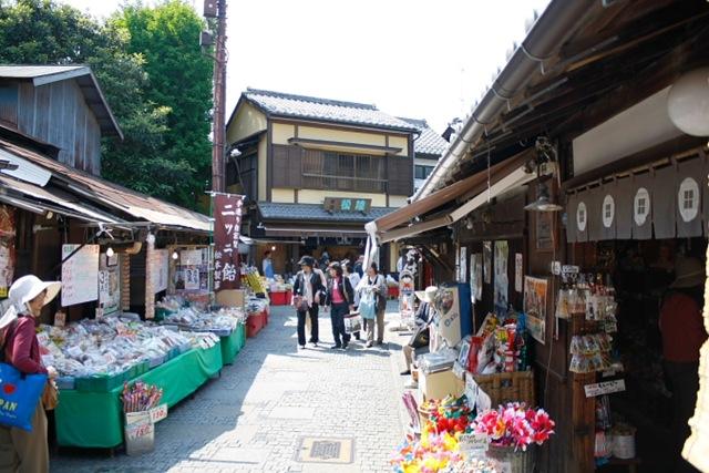 10 ตลาดญี่ปุ่นที่น่าสนใจ-ตรอกลูกกวาดคาวาโกเอะ