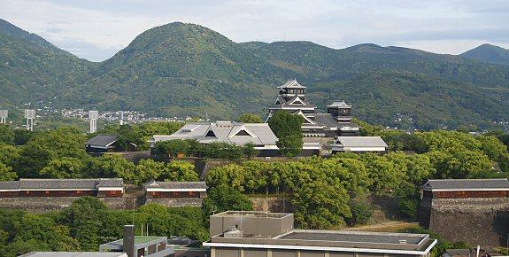 10 ปราสาทญี่ปุ่นที่ไม่ควรพลาดมาเที่ยว-ปราสาทคุมาโมโตะ