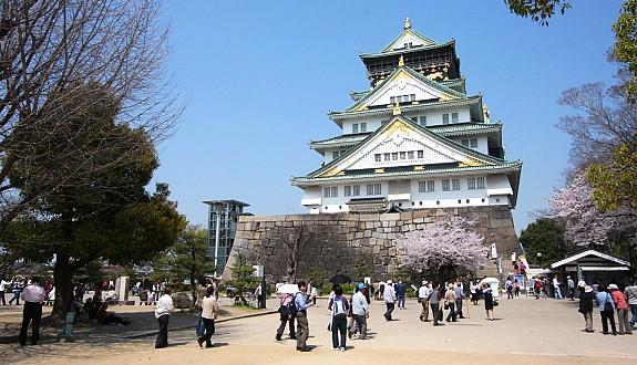 10 ปราสาทญี่ปุ่นที่ไม่ควรพลาดมาเที่ยว-ปราสาทโอซาก้า