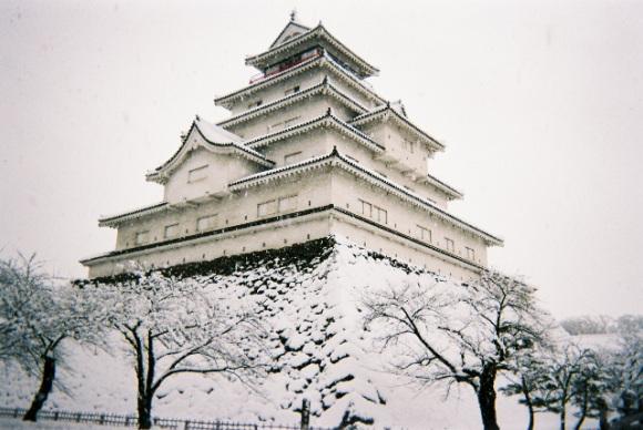 10 ปราสาทญี่ปุ่นที่ไม่ควรพลาดมาเที่ยว-ปราสาทไอสุวากามัตซึ