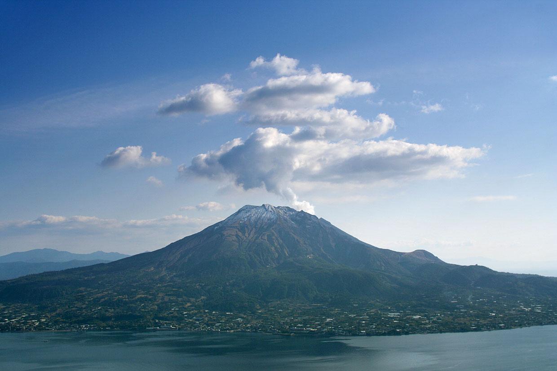 10 ภูเขาไฟน่าเที่ยวในญี่ปุ่น-ภูเขาไฟซากุระจิมะ