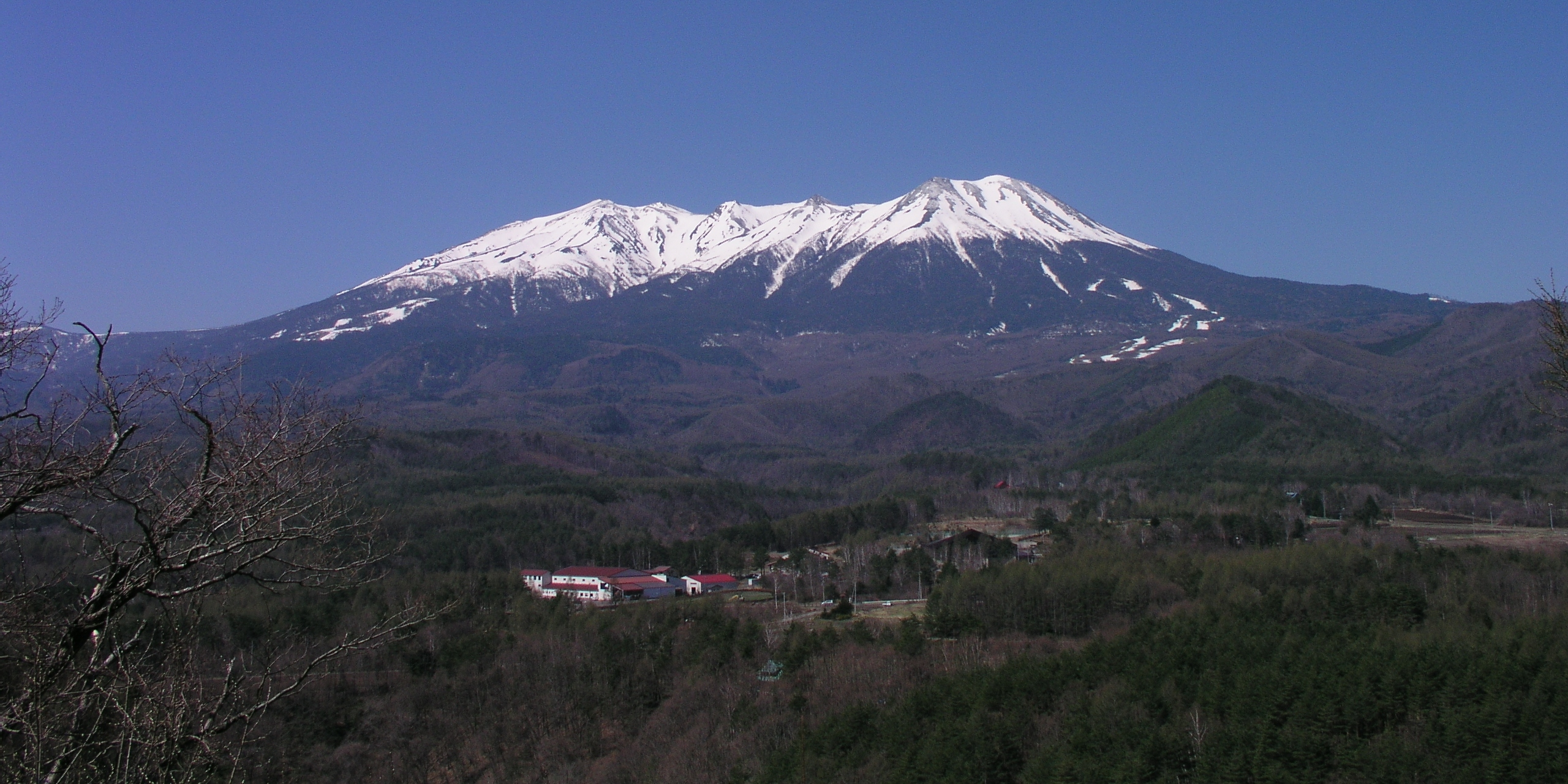10 ภูเขาไฟน่าเที่ยวในญี่ปุ่น-ภูเขาไฟออนตาเกะ
