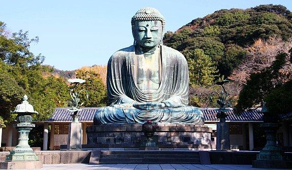 10 วัดเเละศาลเจ้าของญี่ปุ่นที่น่ามาเที่ยว-วัดโคโตคุอิน