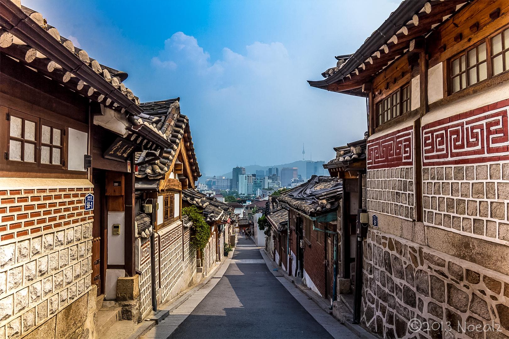 10 สถานที่ท่องเที่ยวที่ไม่ควรพลาดในกรุงโซล -หมู่บ้านบุกชน ฮันอก