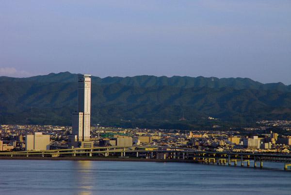 10 หอคอยเเละจุดชมวิวขึ้นชื่อของญี่ปุ่น -ริกุเกต ทาวเวอร์