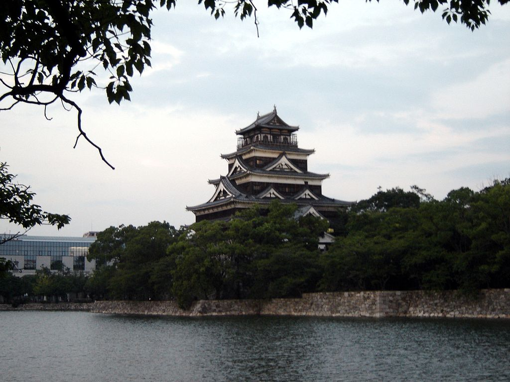 10 เมืองหลักที่น่าเที่ยวของญี่ปุ่นฮิโรชิม่า