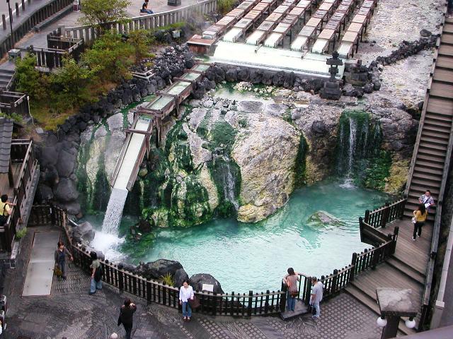 10 เเหล่งออนเซนน่าลองในญี่ปุ่น -คุซัทสึ ออนเซน