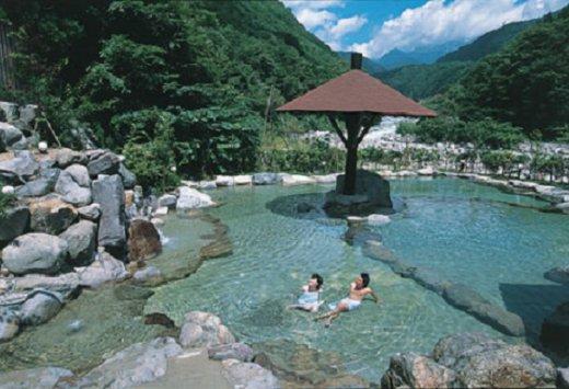 10 เเหล่งออนเซนน่าลองในญี่ปุ่น -โอคุฮิดะออนเซน