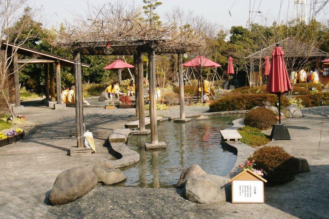 10 เเหล่งออนเซนน่าลองในญี่ปุ่น -โอเอโดะ ออนเซน โมโนกาตาริ